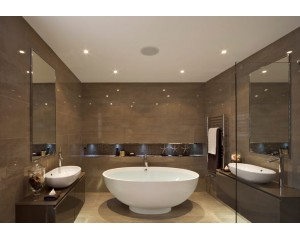 Натяжные потолки в ванную